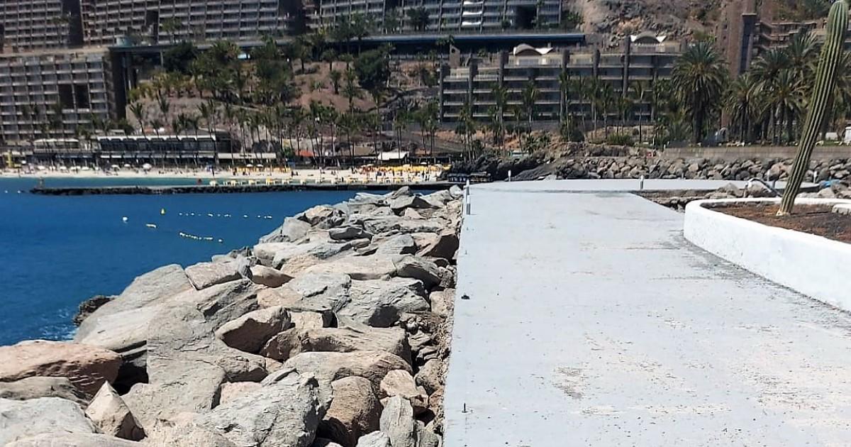 Mogán denuncia el robo y destrozo de  las nuevas balizas de Aquamarina